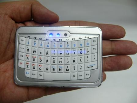 EFO Mini Bluetooth Keyboard - Size